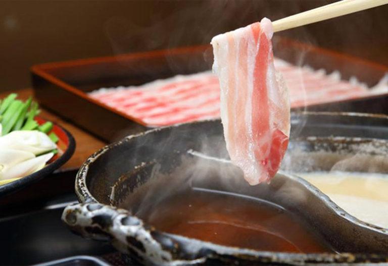 八幡 郷土料理・黒豚しゃぶ鍋・ぞうすい